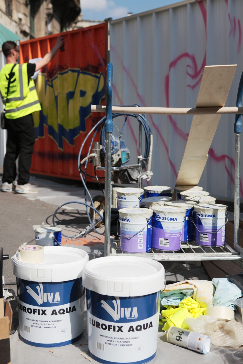 La fresque Street-art des halles Laissac en partenariat ...